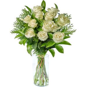 Envía ya tu Ramo de 12 Rosas blancas a domicilio. Son Ramos de 12 Rosas blancas tallo largo, el envío incluido y duran más porque están recién cortadas.